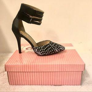 NWT Black & white ankle strap heels